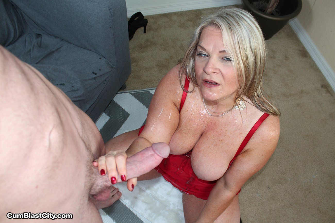 Pussy Sex Images spying on mom giving blow job