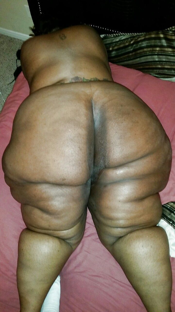 Pussy of naked girl with cellulite